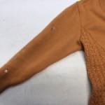 セーターに付いた墨汁のシミ
