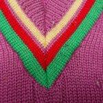 お気に入りのセーターに出来てしまった虫穴でお困りではないですか?
